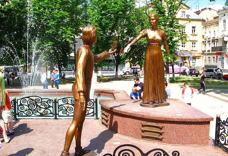 Пам'ятник львівським Ромео та Джульєтті